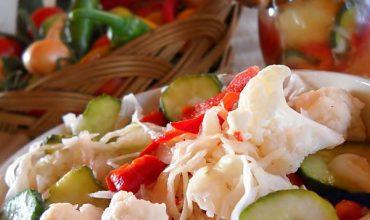 Salata asortata la borcan