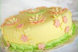 Tort cu crema de lamaie si vanilie