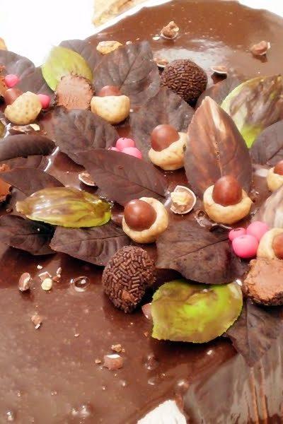 Tort cu fructe, ness si ciocolata