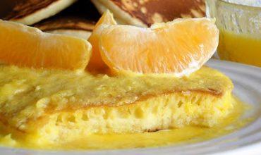 Clatite americane cu sos de portocale