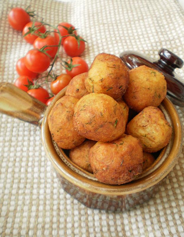 Bulete de cartofi si cascaval