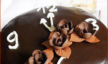 Tort cu crema de vanilie si ciocolata