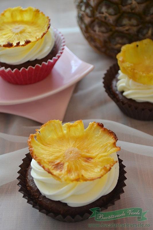 muffins-cu-ananas-si-mascarpone-delaco-5