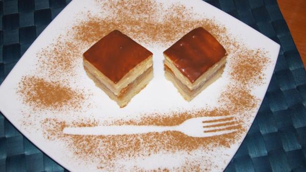 prajitura-mere-si-crema Andreea Lovin1