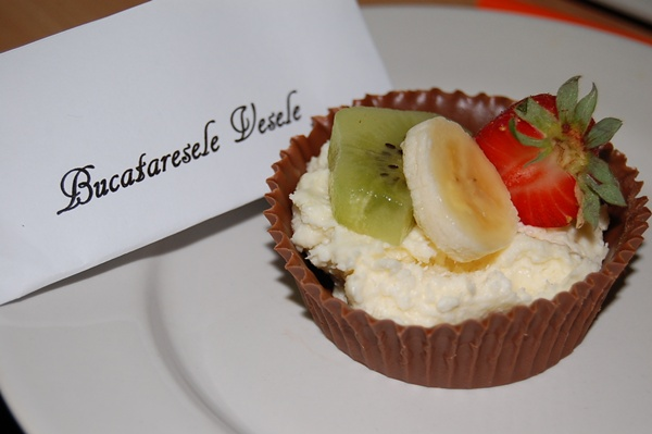 cosulete-de-ciocolata-cu-crema-de-cocos-Maduta Mihaela1