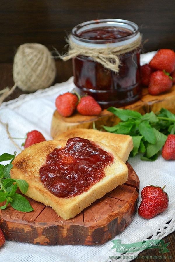 dulceata-de-capsuni-cu-zahar-brun-1