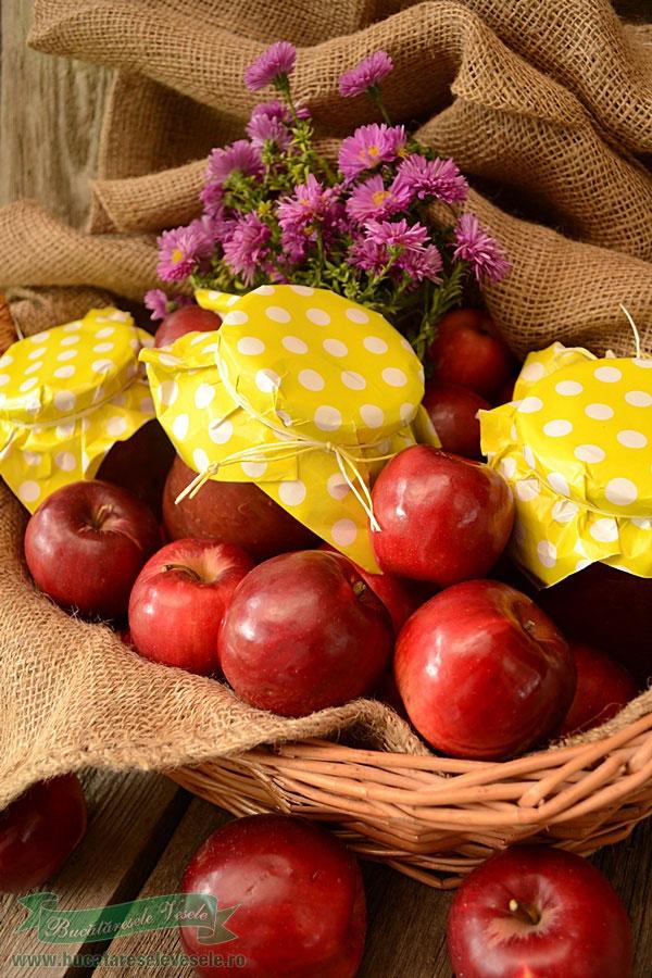 mere-rase-la-borcan-conservate-pentru-iarna-2