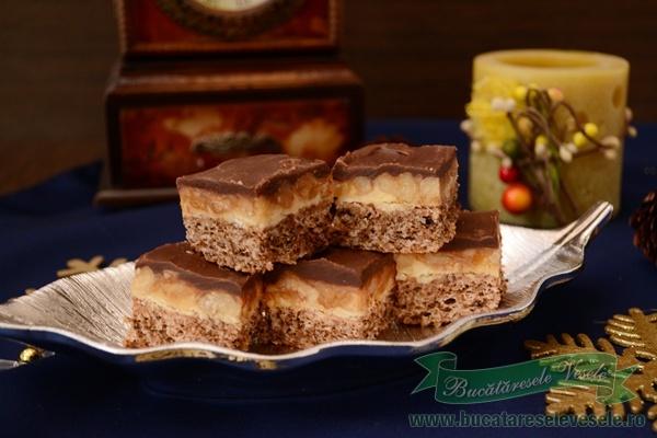 prajitura-cu-nuci-si-crema-caramel-snickers-2