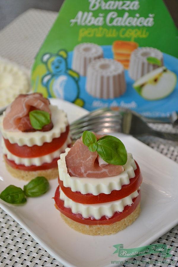 mini-cheesecake-cu-rosii-si-miez-de-lapte-1