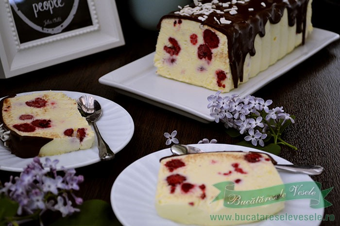 parfe-de-vanilie-cu-zmeura-si-crema-de-branza-4