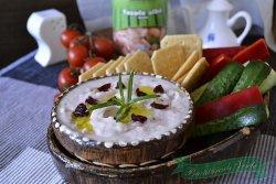 humus-cu-fasole-alba-si-merisoare