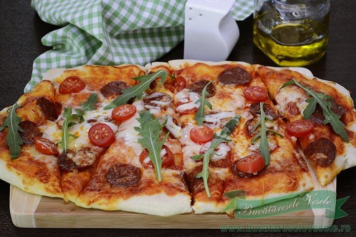 pizza-cu-chorizo-si-mozzarella-1