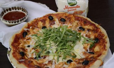 Pizza pollo picanta