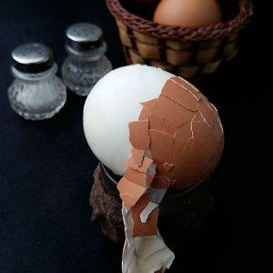 Cum curatam usor un ou fiert