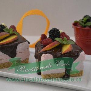 Tortulete cu mascarpone si fructe