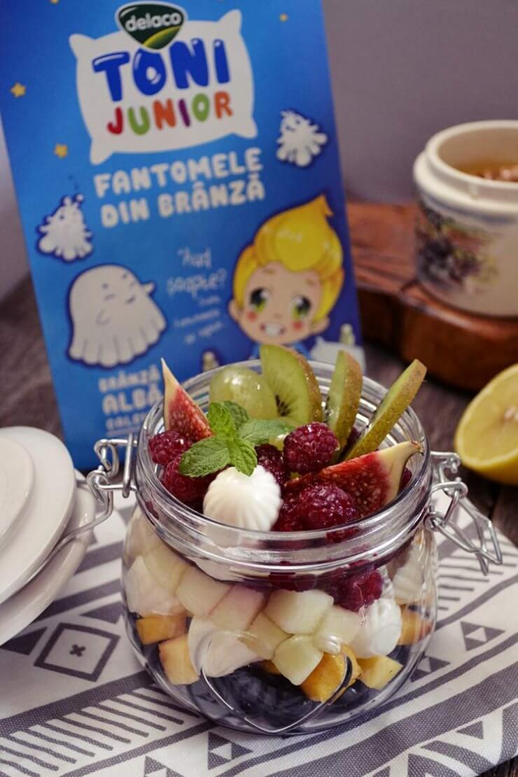 salata de fructe cu branza calcica
